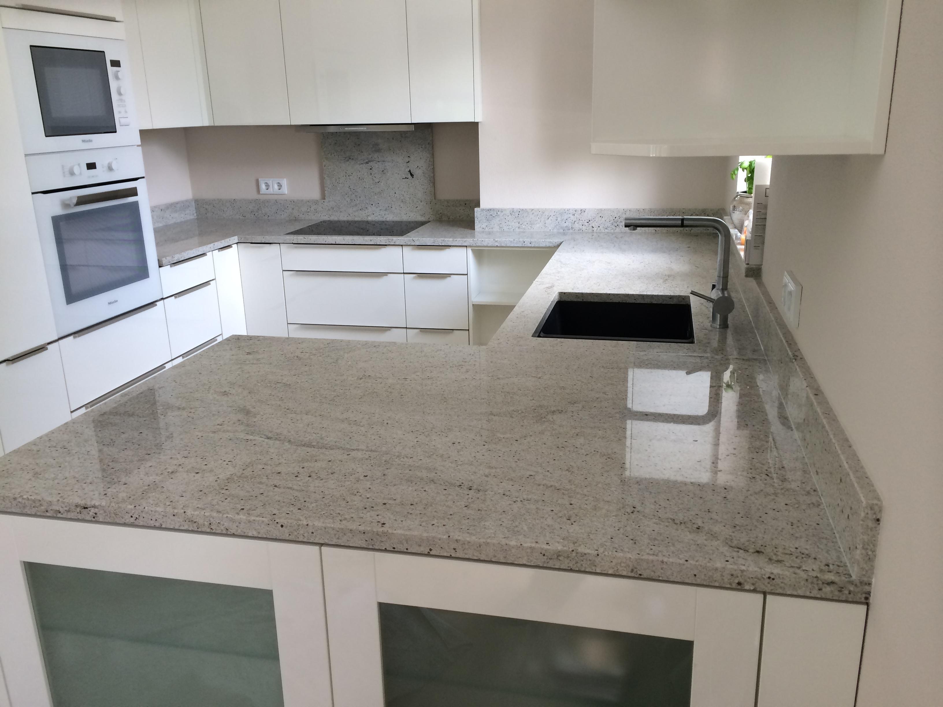 Arbeitsplatte und Küchenplatten aus Granit