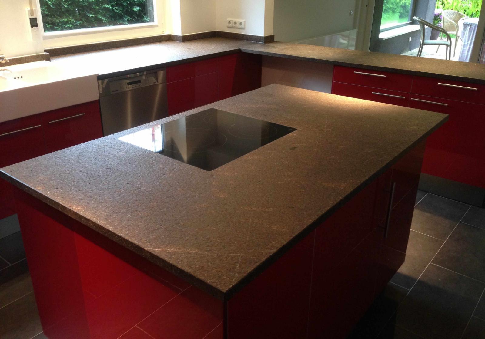 Küchenplatte aus Porphyr braun