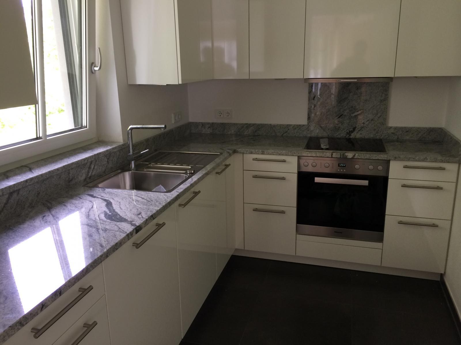 Küchenplatte-aus-Viscount-White